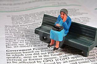 scared-senior-woman-pension-6871503